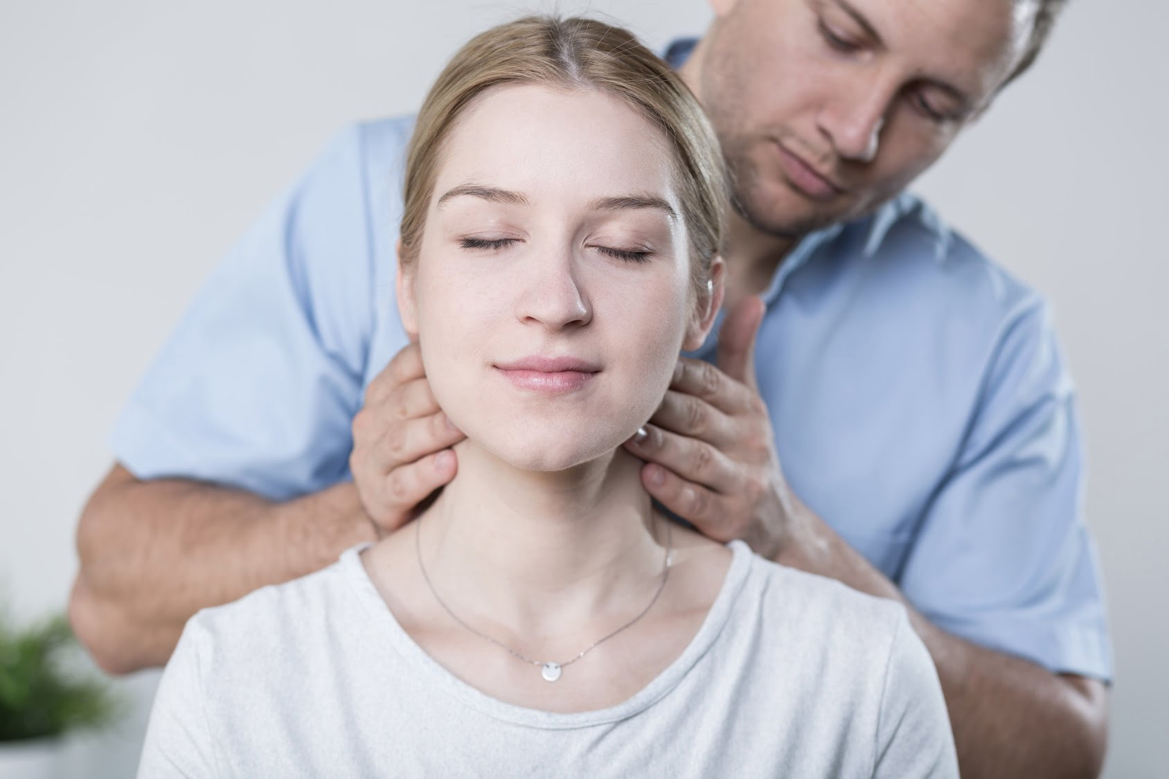 5 Ways to Alleviate Neck Discomfort in the Gym